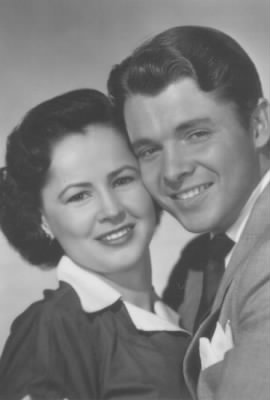 Audie Murphy and Pamela Archer Murphy.jpg