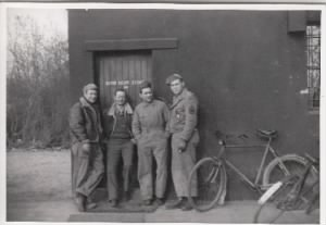 100th BG, Mac, Doc, Jim Potts & Nick Cresap. 1944 /Jim POTTS PHoto