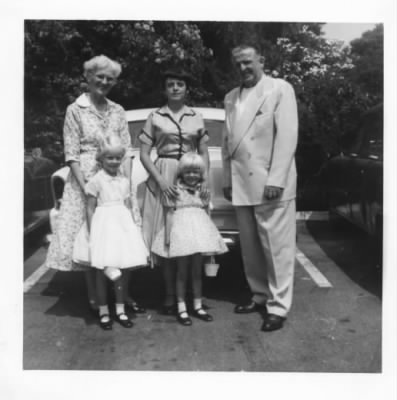 Willis Sr, Denny Donna, Linda and Aunt Lou 1954 Easter.jpg - Fold3.com