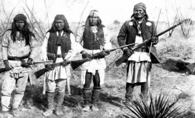 Geronimo (right) and his warriors - Fold3.com