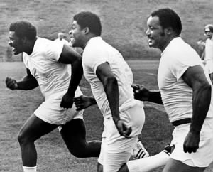 Joe Greene, Dwight White, Ernie Holmes run sprints
