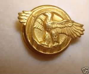 Honorable Service Lapel Button WWII.jpg