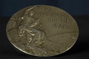 1936_Olympics_medal_front.jpg