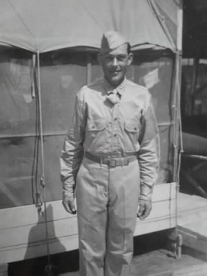 Wymer, Lynn, U.S. Army Air Force, 1942.jpg