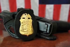 FBI_Badge_&_gun.jpg