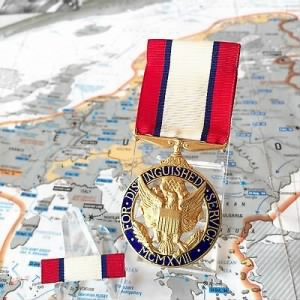 WWII US ARMY DISTINGUISHED SERVICE MEDAl.jpg